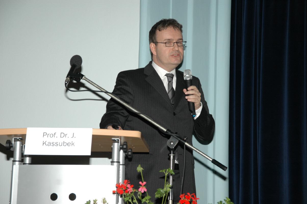 Prof. Jan Kassubeck von der Neurologischen Abteilung der Uni-Klinik Ulm